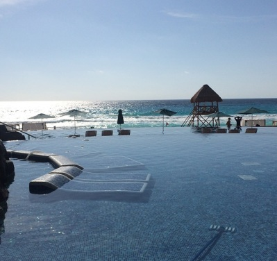 cancun piscina